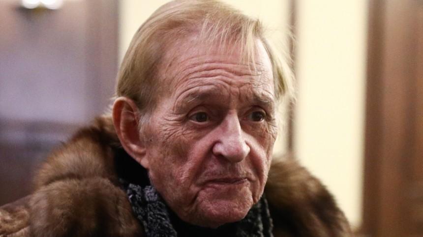 Названа причина смерти режиссера Романа Виктюка