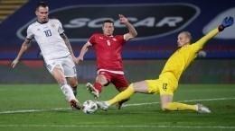 Сборная РФпофутболу проиграла команде Сербии сосчетом 0:5