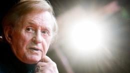 ВМоскве началась церемония прощания срежиссером Романом Виктюком