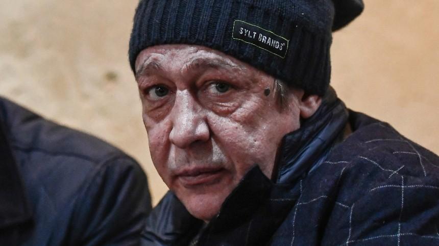 Михаил Ефремов отдал последний долг семье Сергея Захарова, оплатив его похороны