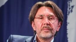 «Мыпотеряли Сергея»: Баста разнес Шнурова вэфире шоу «Голос»