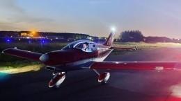 «Летаю так себе»: телеведущий Колтовой боялся один управлять самолетом