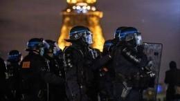 Французская полиция разогнала расставивших палатки мигрантов вПариже