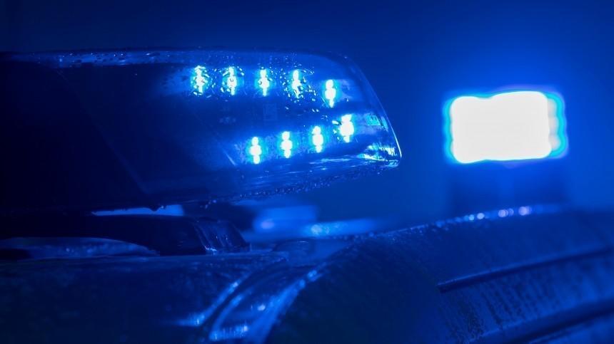 Окровавленное тело мужчины нашли вгрузовом лифте жилого дома вМоскве