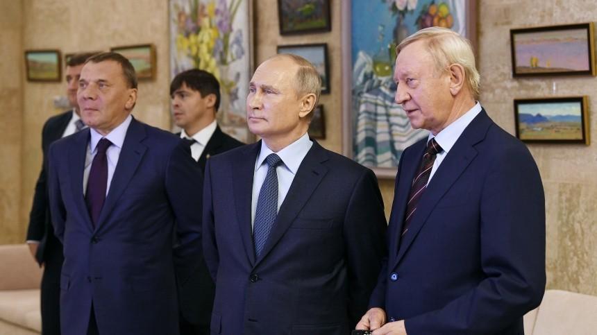 «Меры были приняты»: Песков объяснил, почему Путин ненадел маску вСарове