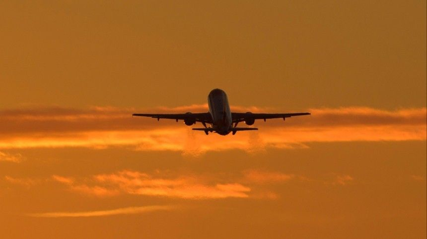 «Это нешутки»: летчик объяснил, кто мог «заказать» полет вподдержку Дзюбы