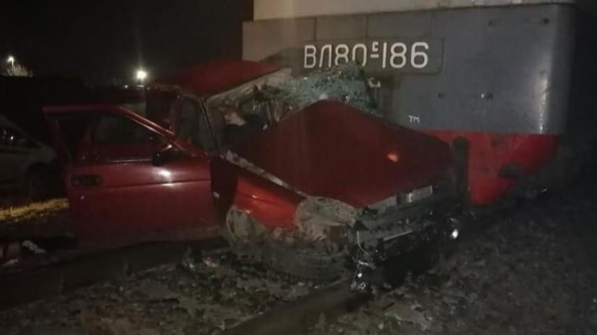 Четыре человека погибли при столкновении ж/д состава иавто вКраснодарском крае