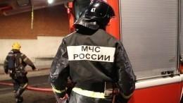 Видео: Пламя охватило автосервис насеверо-востоке Москвы