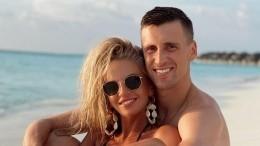 Жена вратаря «Ростова» оголила грудь вкупальнике спикантной прорезью