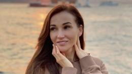 «Апишут, что шоу-бизнес бедный»: Чехова прилетела сМальдив иотбыла вДубай
