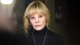 Дочь Марка Захарова показала подписчикам редкое фото сматерью