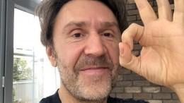 «Шнуров ловит хайп»: Пригожин заступился заБасту после его перепалки срокером