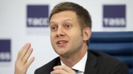 Борис Корчевников рассказал, что познакомился ссестрой укровати умирающего отца