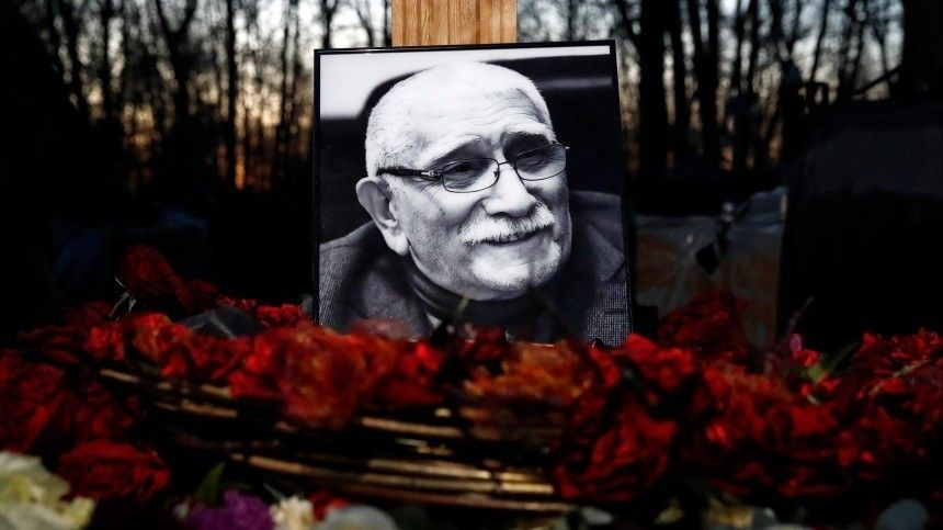 Памятник Джигарханяну наВаганьковском кладбище установят уже в2021 году