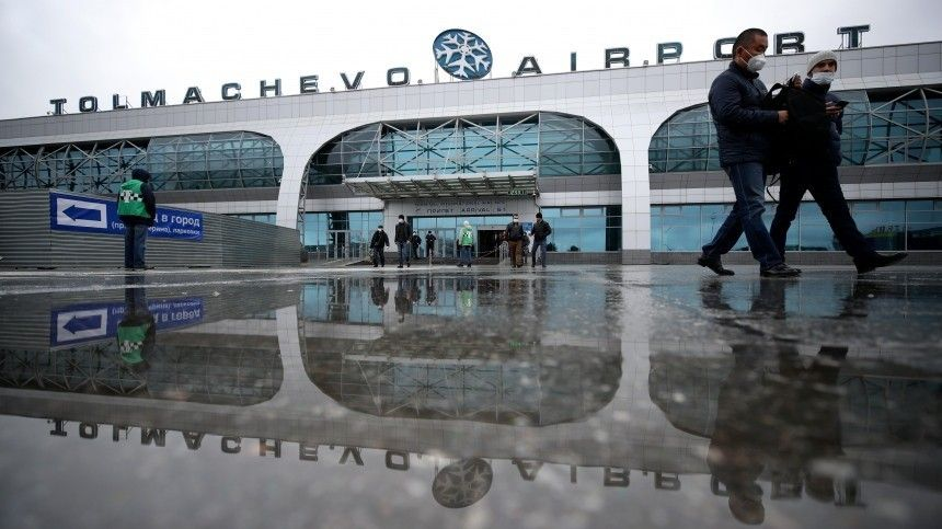 Лайнер Boeing, направлявшийся вКитай, повторно экстренно сел вНовосибирске