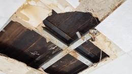 Потолок вобеденной зоне детского сада рухнул сразу после полдника— видео