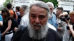 «Ятут как узник»: пожилого брата Баталова заперли вдоме престарелых