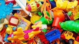 Недетские развлечения: вРоссии запретят игрушки, провоцирующие суицид инасилие