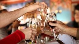 Почему вНовый год россиянам стоит отказаться оталкоголя? —объясняют наркологи