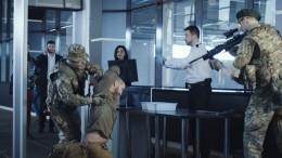 Сторонника террористов взяли прямо всамолете изКрасноярска— видео задержания