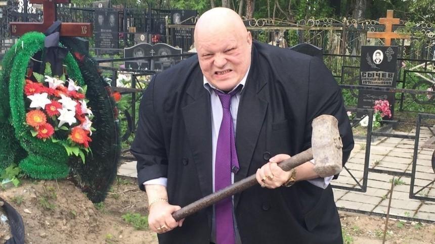 Стас Барецкий пообещал бесплатно похоронить Алибасова вгробу «Спящая красавица»