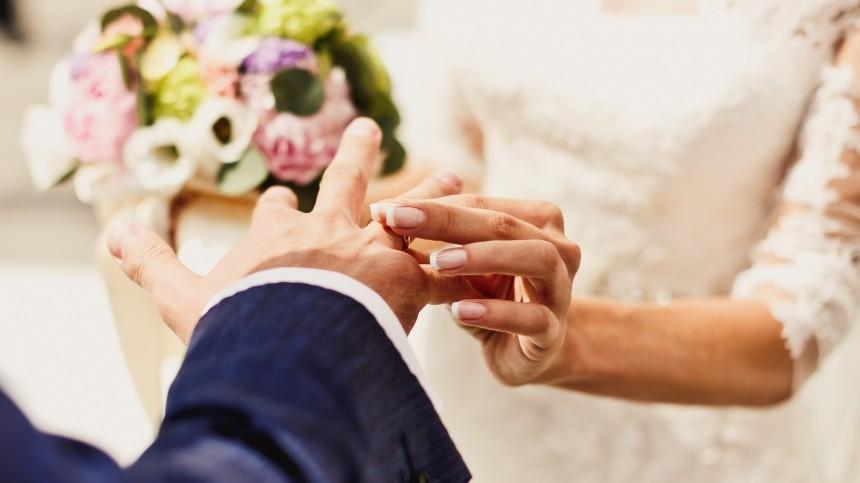 Что снится девушкам кскорой свадьбе— объясняет психолог