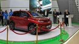 КАМАЗ показал первый серийный электромобиль вРоссии