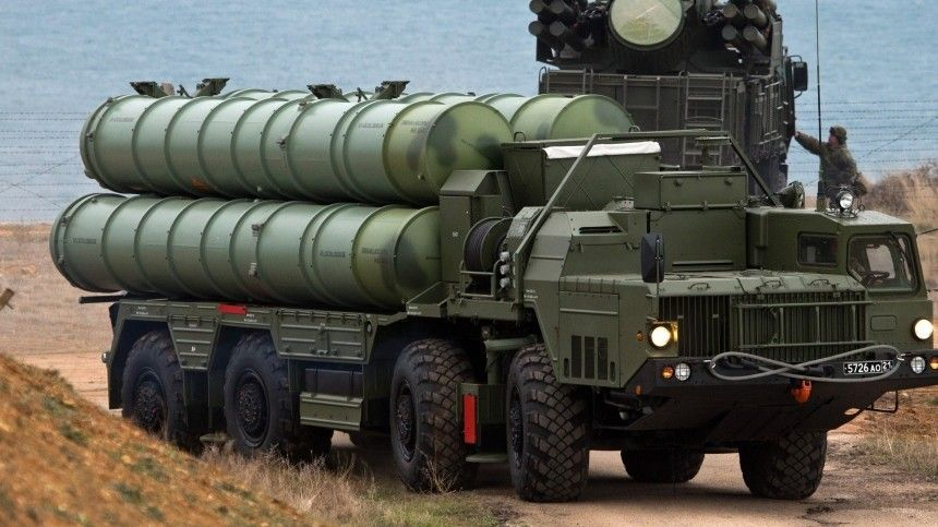 «Влюбой день»: США грозят Турции санкциями из-за российских С-400