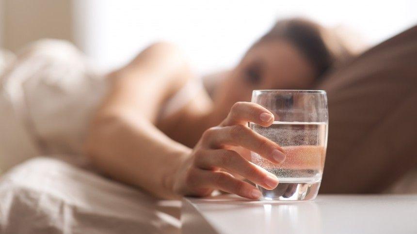 Привычка выпивать стакан воды утром натощак может вызвать рак желудка