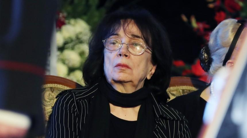 «Они чистые люди»: вдова Баталова заступилась зановых адвокатов перед Михалковым
