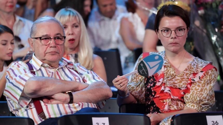 Петросяну предрекли развод сБрухуновой из-за новой помощницы