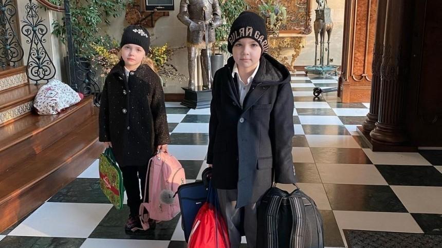 «Найди Аллу Борисовну»: Галкин случайно показал супругу без макияжа ивхалате