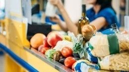 Мишустин подписал документы для стабилизации цен напродукты