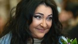 «Очень устала заэтот год»: Лолита навремя покидает Россию