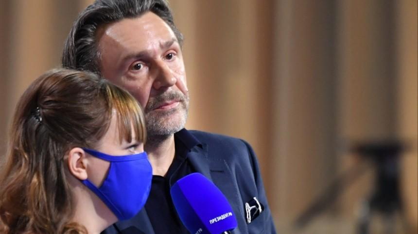 «Отнего ничего неосталось»: Алиса Вокс разочарована вопросами Шнурова Путину