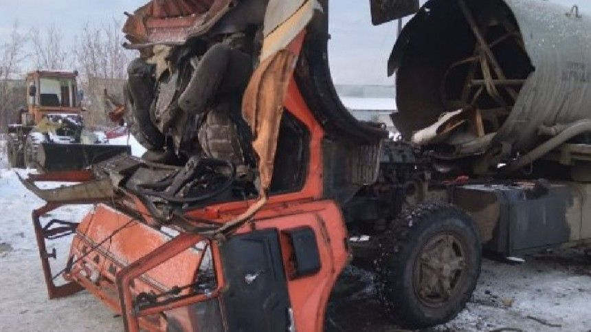 Любители экспериментов случайно взорвали КАМАЗ вКурганской области— видео