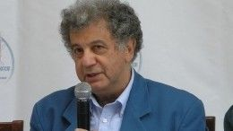 Названа предварительная причина смерти писателя Александра Курляндского