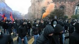 Оппозиция разбила палатки вЕреване итребует отставки Пашиняна