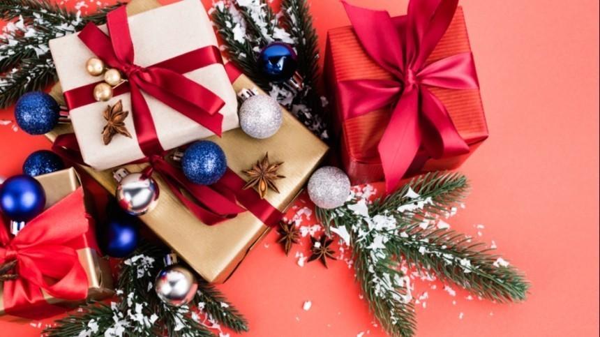 Врачи назвали новогодние подарки, через которые может передаваться коронавирус