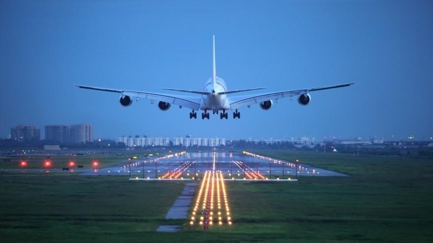 Самолет рейса Москва— Оренбург вынужденно приземлился вСамаре