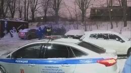 Момент падения 11-летнего школьника под поезд вПетербурге попал навидео