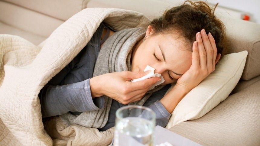 Названы симптомы коронавируса, требующие немедленного обращения кврачу