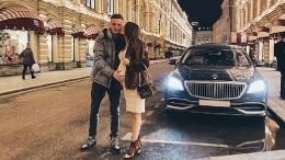 «Mercedes для малышки»: дорогая коляска рассорила невестку Валерии сфанатами