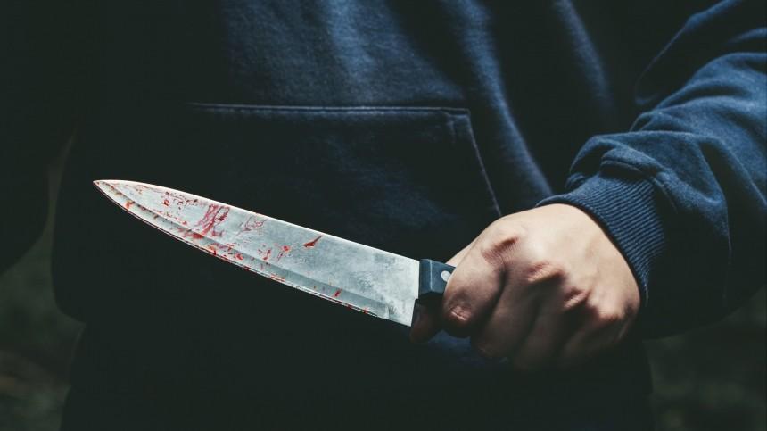 Ослепленный ревностью петербуржец всадил нож вгрудь соперника