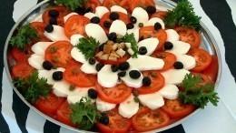 Как сделать привычные новогодние салаты намного интереснее ивкуснее?