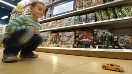 Опасные игрушки: магнитные шарики чуть неубили двухлетнюю девочку наЯмале