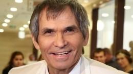 «Ему память отрубает»: сын Бари Алибасова рассказал осостоянии отца