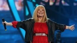 «Видели ночь»: Пугачева сподругами станцевала под хит группы «Кино»