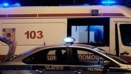 Mercedes протаранил здание Театра имени Вахтангова вМоскве— видео аварии