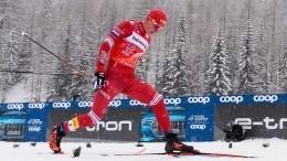 Россиянин Александр Большунов победил намасс-старте этапа гонки «Тур деСки»